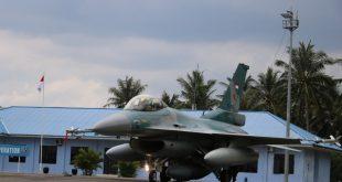 Pesawat F-16 Fighting Falcon TNI AU Gelar Operasi di Kalimatan dan Ambalat.